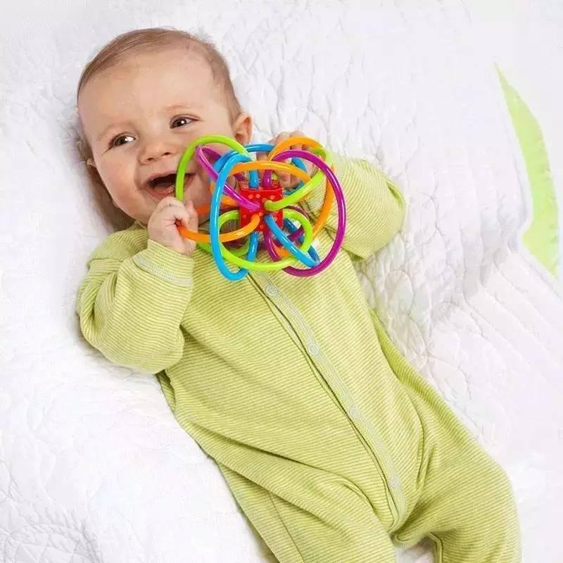 宝宝牙胶摇铃